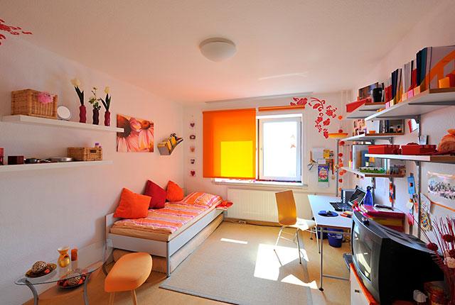 wohnen f r anf nger my best time wohnheim spiegel ei 2013 07. Black Bedroom Furniture Sets. Home Design Ideas